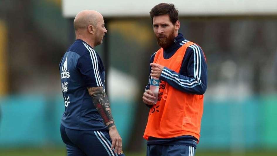Sampaoli se reunió con Messi en Barcelona