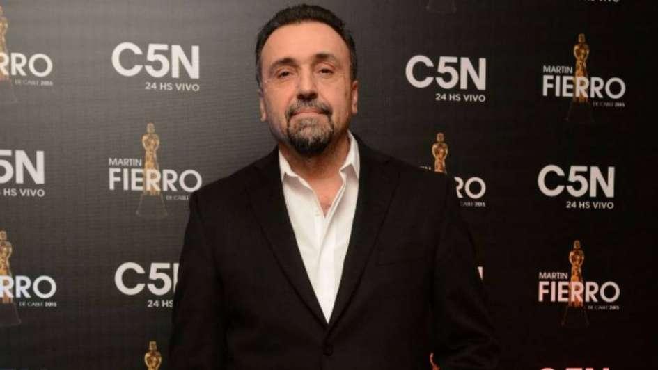 Echaron a Roberto Navarro de C5N y se va de Radio 10