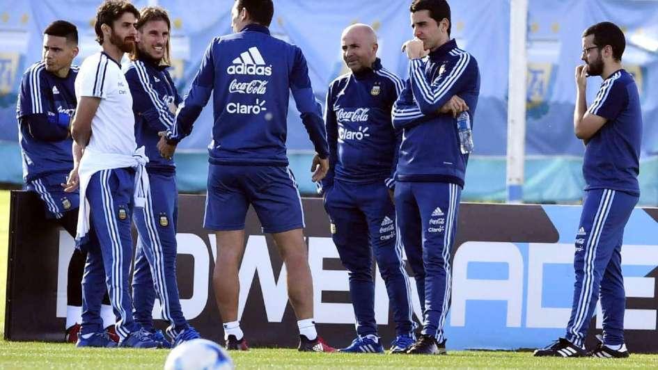 Sampaoli probó otro esquema en la segunda práctica de la Selección Argentina