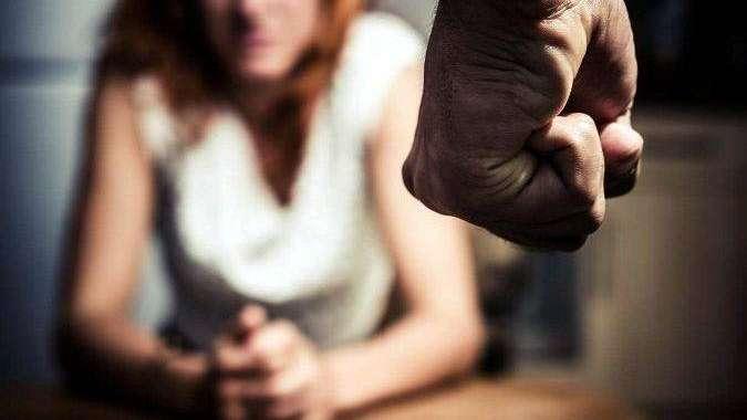 Con pedido de captura golpeaba a su ex esposa
