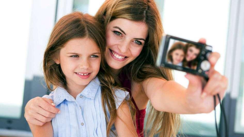"""""""Sharenting"""": la peligrosa obsesión de mostrar a los hijos por las redes"""