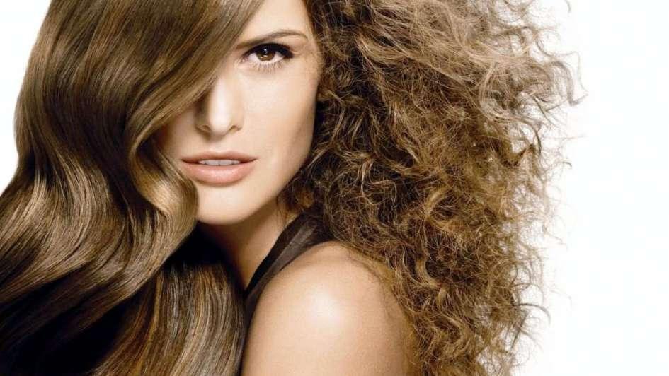 Como mantener el pelo ondulado sin frizz