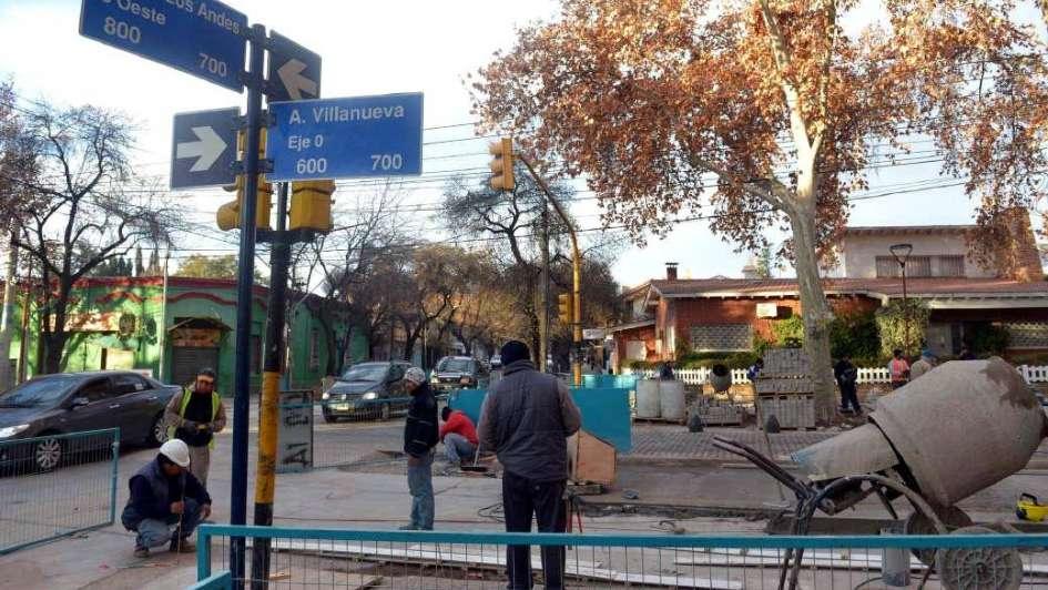 Corte en calle Paso de los Andes
