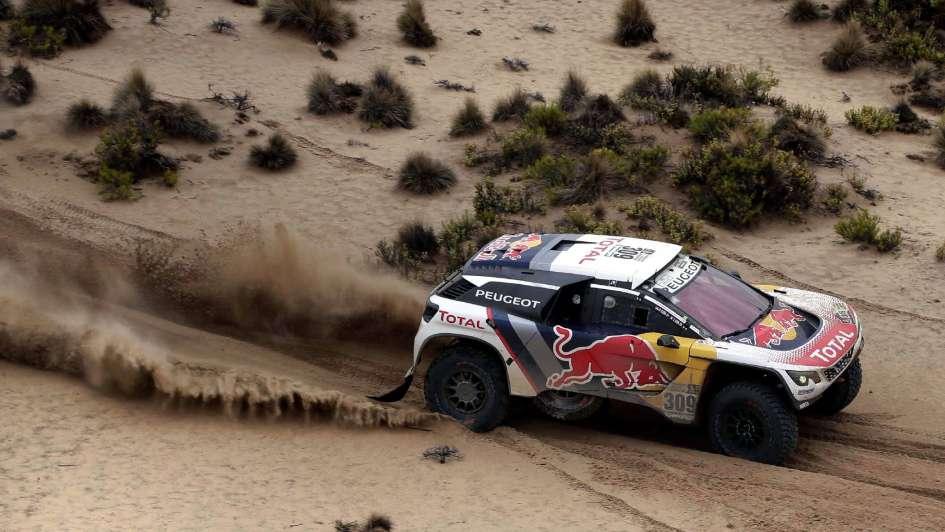 Loeb comandó el dominio de Peugeot