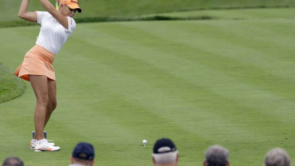 No más minifaldas y escotes para las mujeres en el circuito profesional de golf