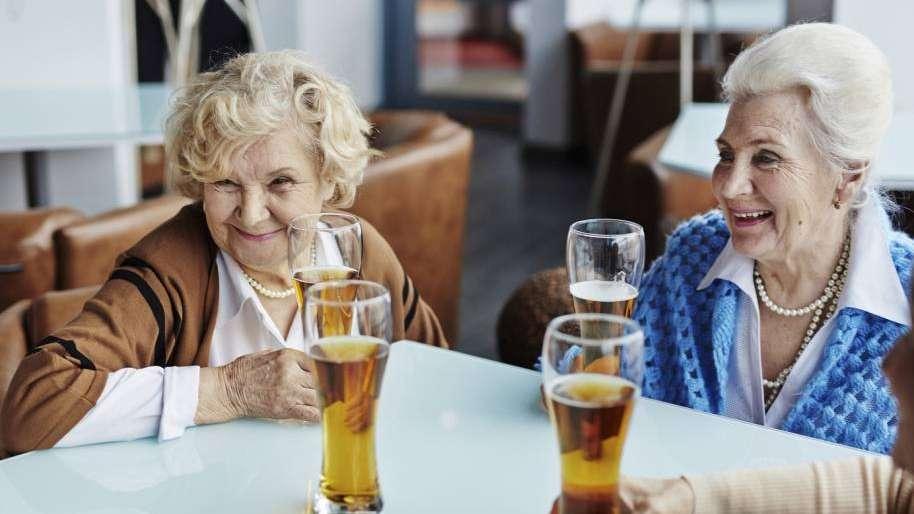 La cerveza, una aliada para llegar mejor a la ancianidad