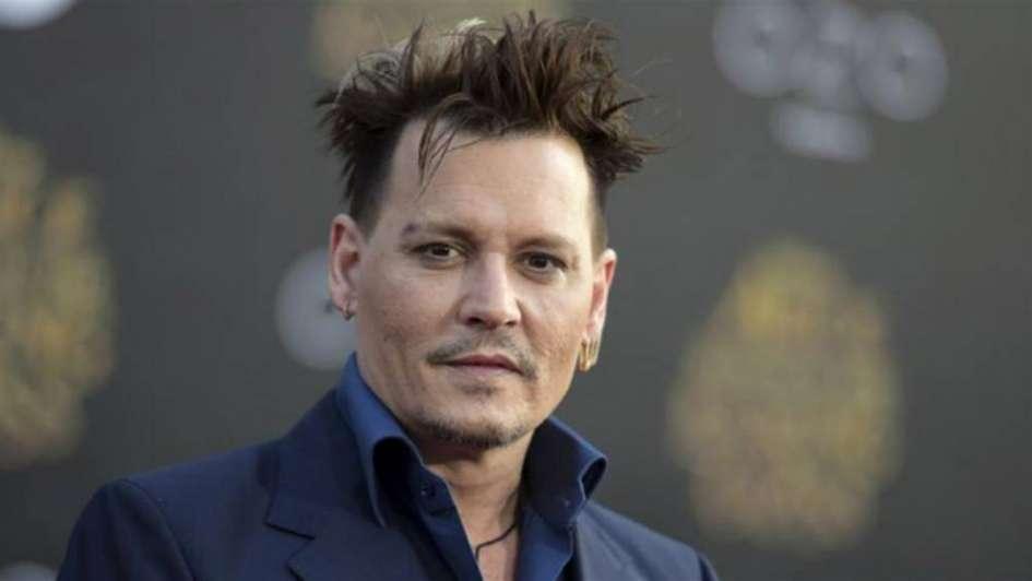 El joven manos resbalosas: Así Johnny Depp malgastó su fortuna