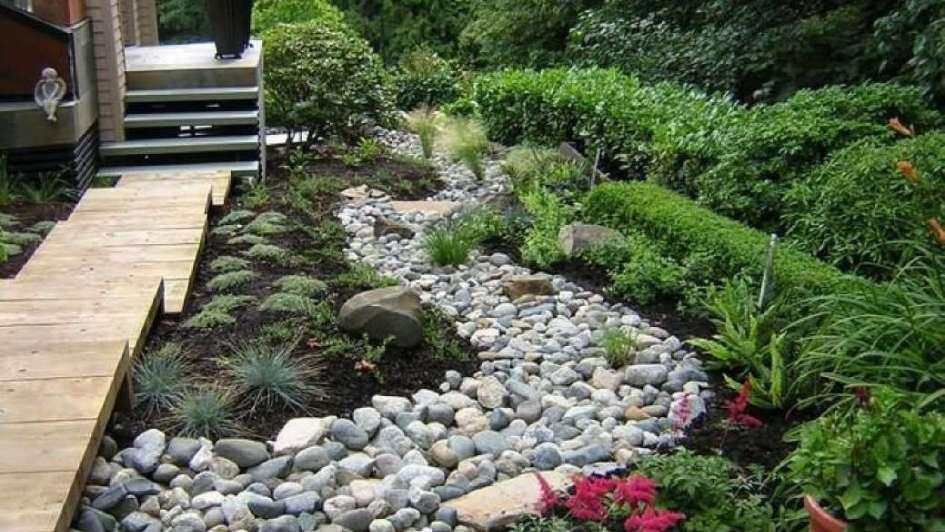 jardines piedra y madera para un verde especial