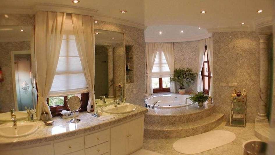 Ba os modernos y elegantes for Decoracion de banos modernos y elegantes