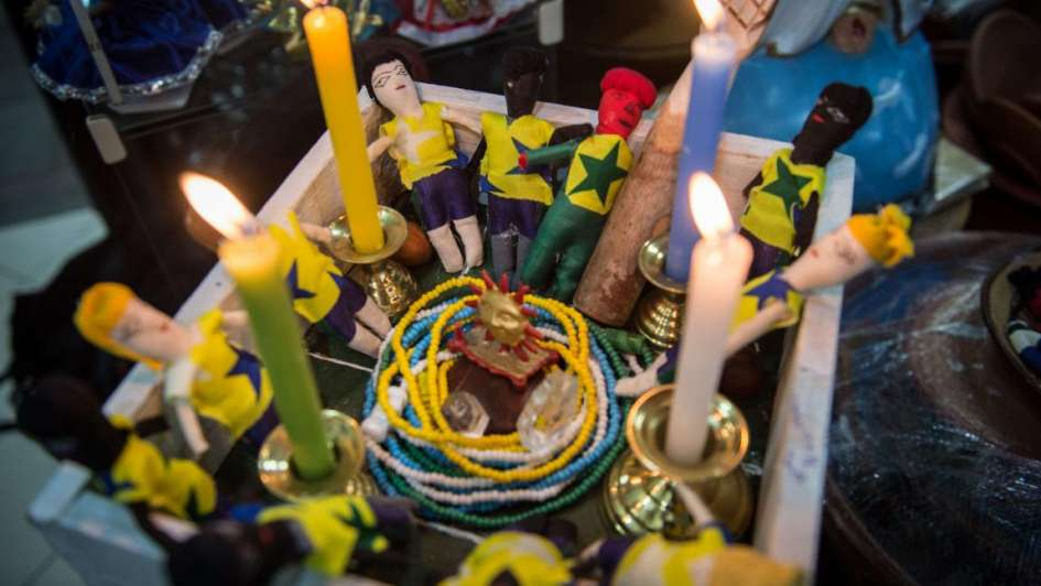 Brasil recurre a ritos de macumba y umbanda para darle fuerza a su Seleçao