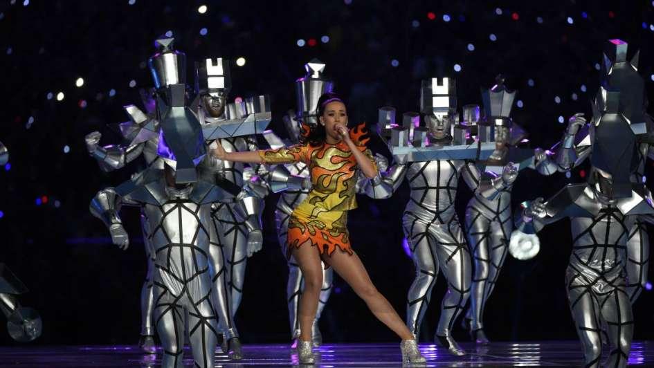 Katy Perry brilló en el show del medio tiempo del Super Bowl 2015