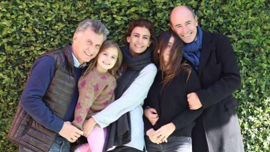 Juliana Awada festejó el Día del Padre con Mauricio y con su ex