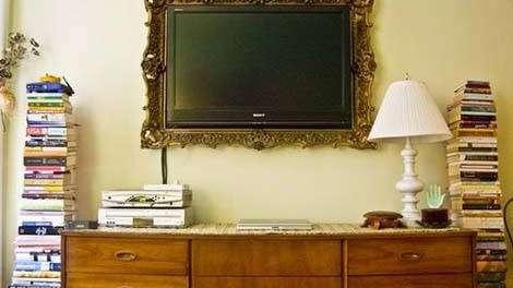 Enmarcar el televisor: una idea original y decorativa