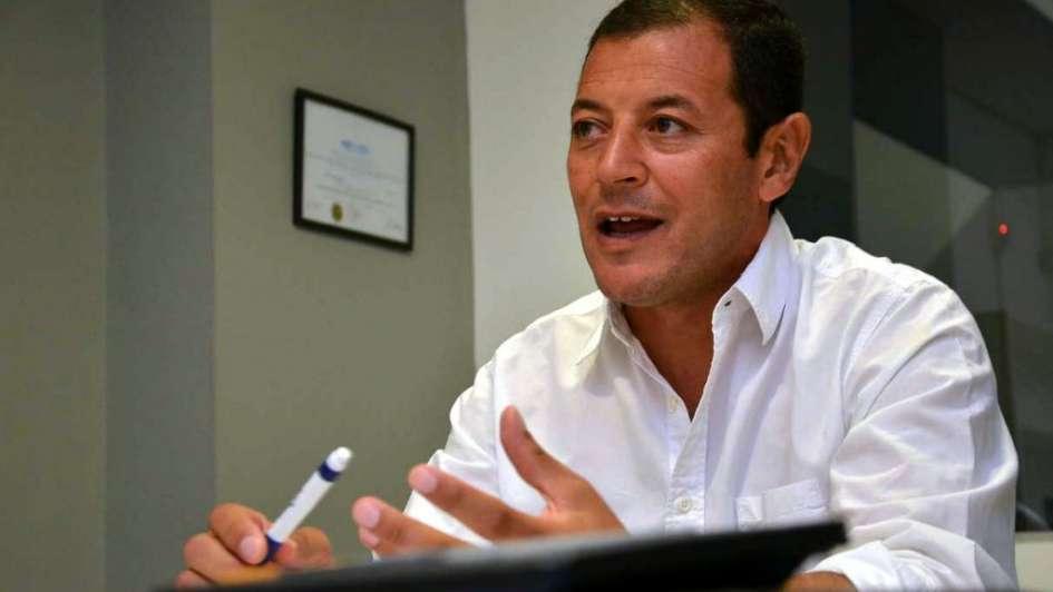 Otra contratación complica más a Cazabán y Mátar