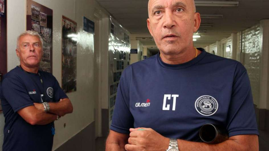 Tras la salida del 'Pitu' Canedo, el 'Profe' Córdoba pone primera en la Lepra