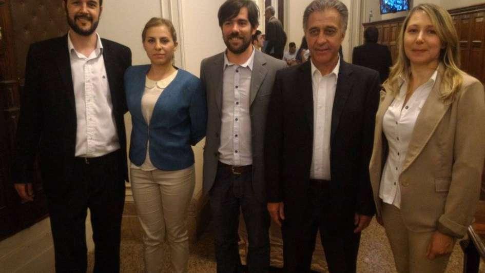 Nicolás Del Caño dejó su banca del FIT a Soledad Sosa, quien juró por el aborto legal
