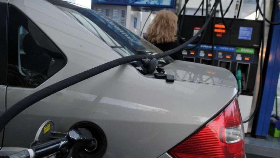 Desde que YPF se estatizó, sus naftas subieron 120%
