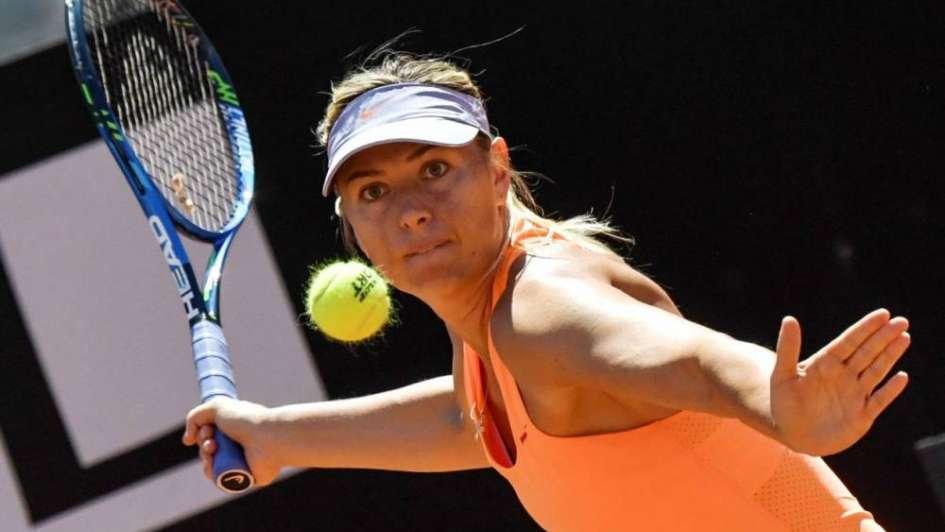 Sharapova dijo que no pedirá invitación para Wimbledon y que jugará la previa