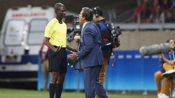 FIFA suspendió de por vida al árbitro de eliminatorias Joseph Lamptey