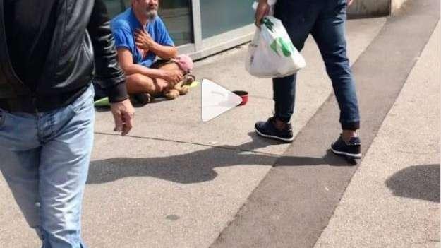 El gesto de un astro del fútbol: en media hora le dio comida a 12 personas en situación de calle
