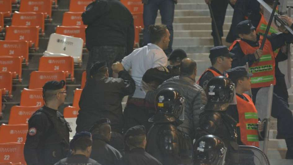 Dos detenidos tras serios incidentes en la tribuna de Brown de Madryn