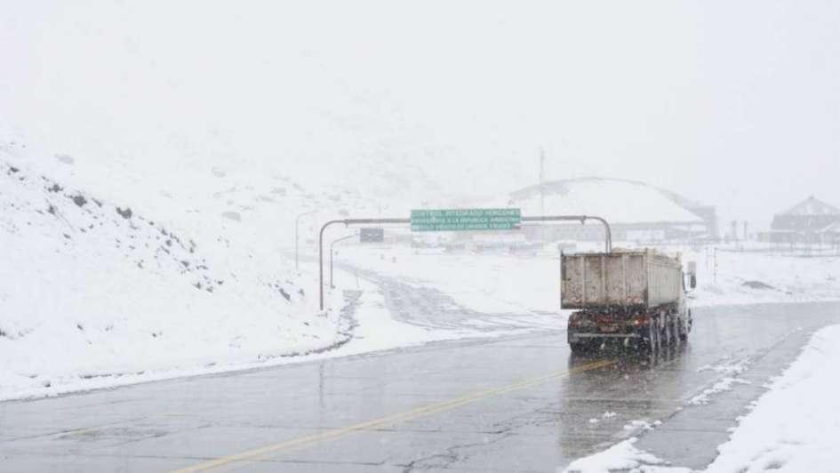 Habilitaron el paso a Chile con uso obligatorio de cadenas