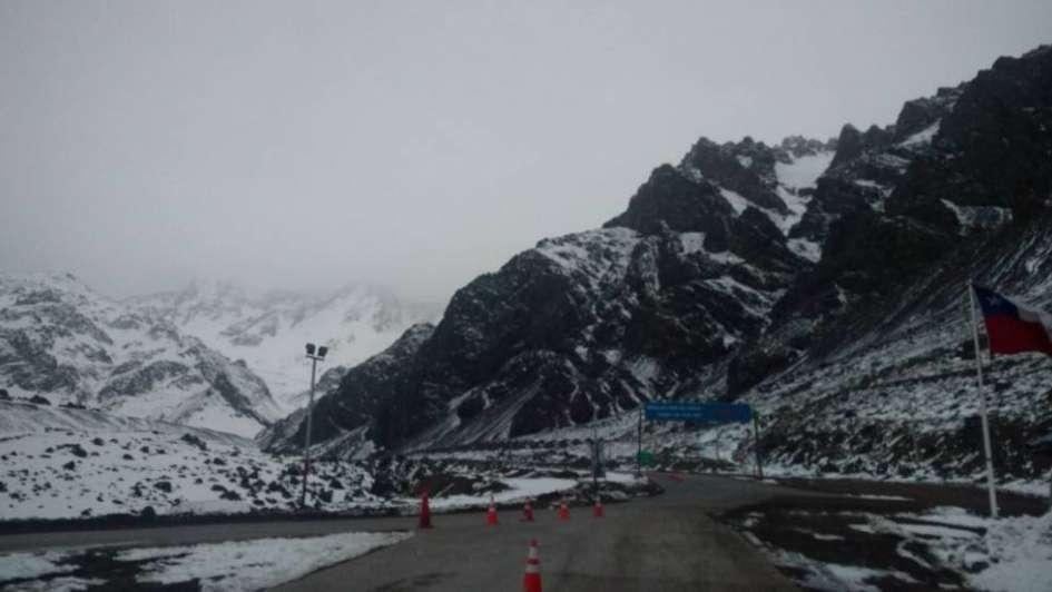 Por mal tiempo, cerraron el Paso a Chile