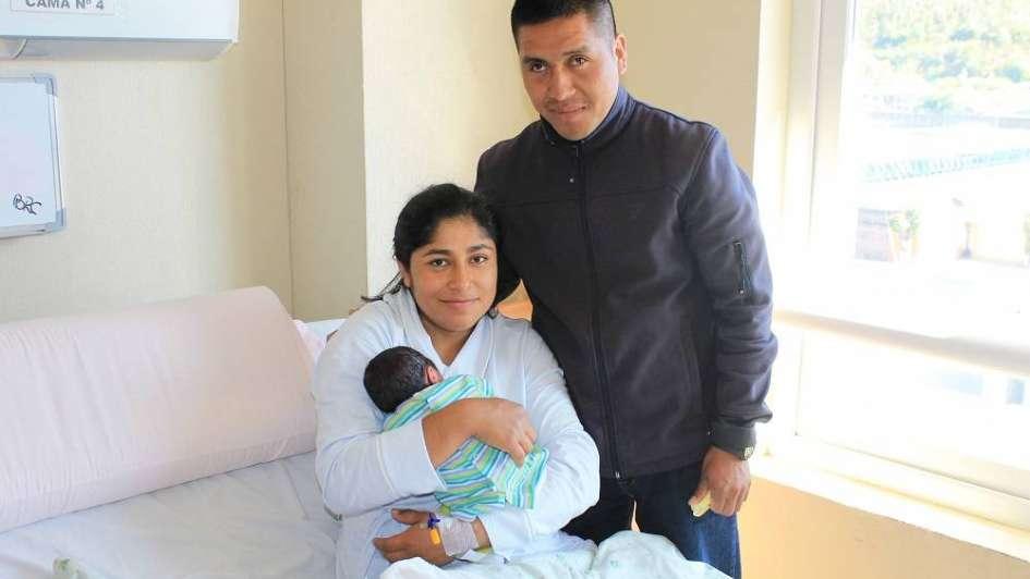 Inédito: hospital chileno respetó la cultura mapuche y entregó la placenta a la familia de un recién nacido