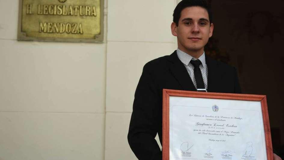 Leonel Esteban: el mejor estudiante de secundaria del país