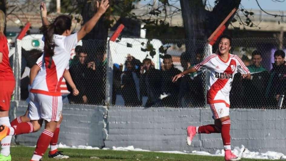 Fútbol femenino: River Plate goleó a Huracán y es el nuevo campeón