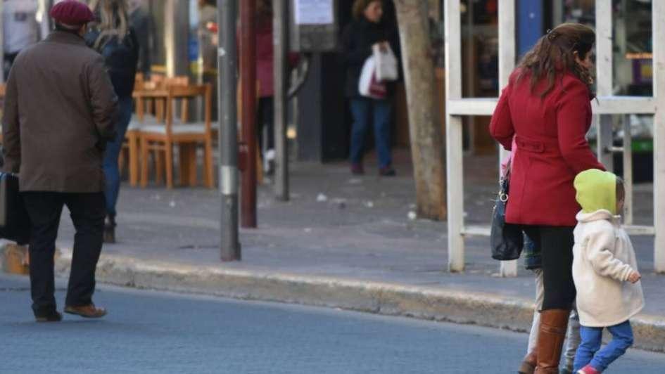 Llegó el frío a Mendoza y el jueves vuelve el Zonda