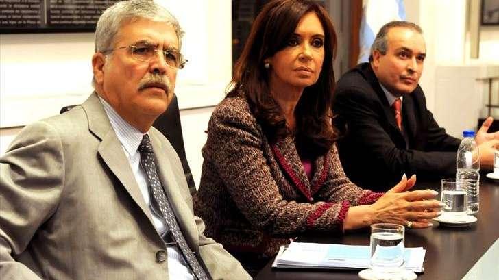 Detienen al ex secretario de Obras Públicas de Julio de Vido enterrando 8 millones de dólares