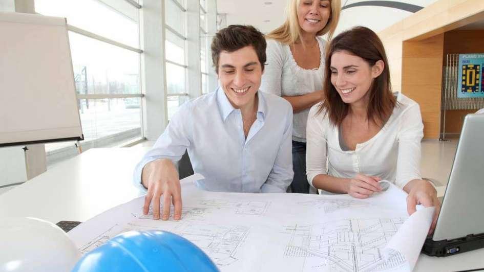 Diferencias y similitudes entre arquitectos, ingenieros y técnicos de la construcción