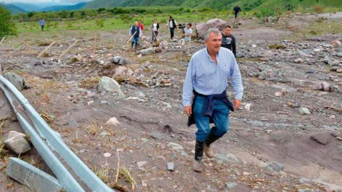 Fotos y videos: desolación en Jujuy tras el alud que dejó 2 muertos y miles de evacuados