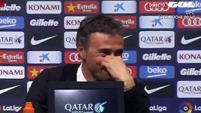 De no creer: un periodista se durmió en la conferencia de prensa del DT de Barcelona