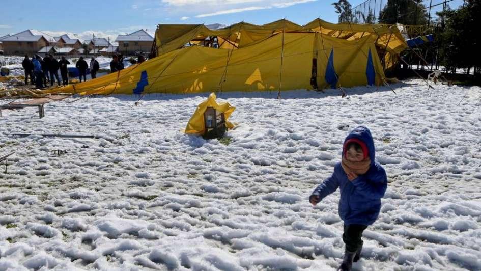 Histórica nevada en Santiago de Chile: un muerto y miles de usuarios sin luz