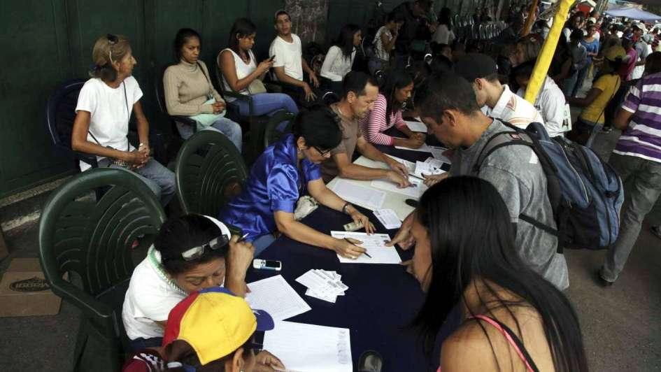 Oposición plebiscitó contra Maduro