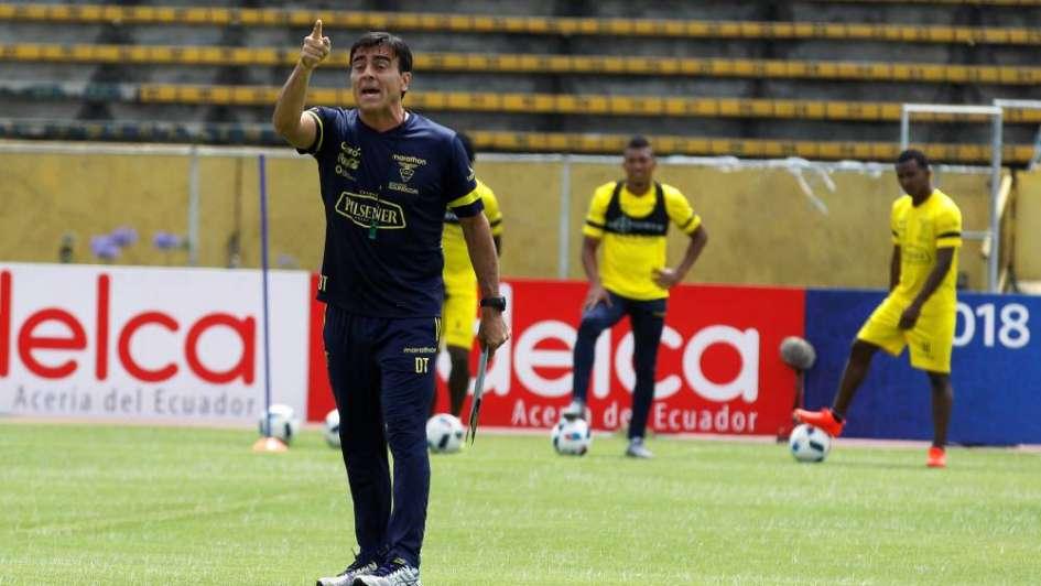 Ecuador, casi afuera del Mundial, se quedó sin DT: echaron a Gustavo Quinteros