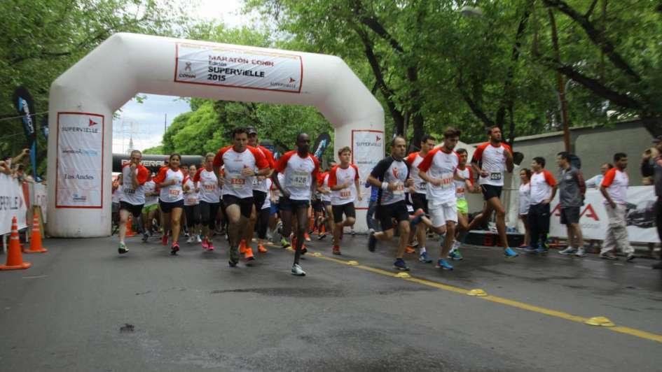 800 personas corrieron para ayudar a Conin