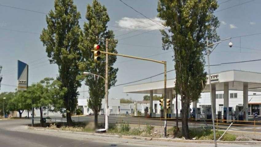 Motochorros asaltaron una estación de servicio en Guaymallén y se llevaron $8 mil