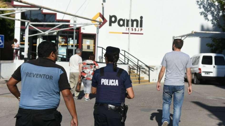 Una jubilada le pegó una cachetada a una empleada del PAMI