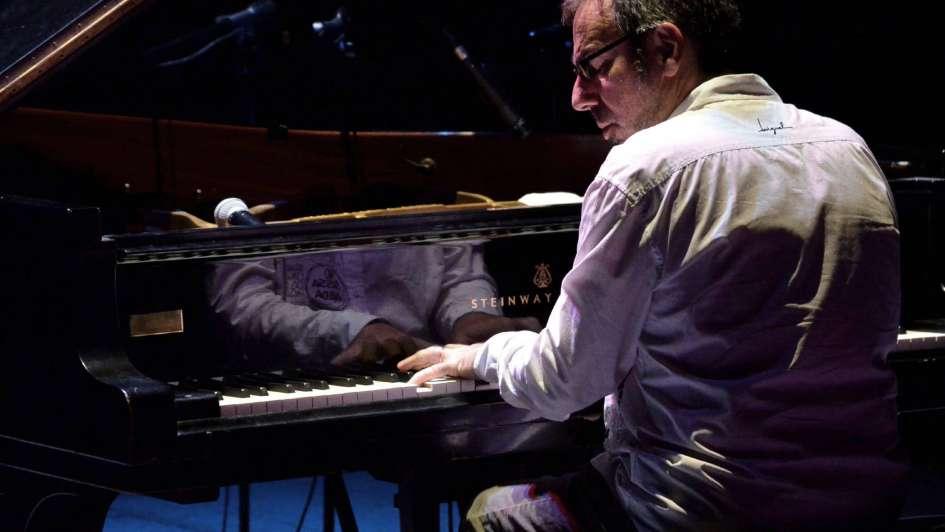 """Leo Sujatovich: """"Me sorprende la gran calidad de la orquesta mendocina"""""""