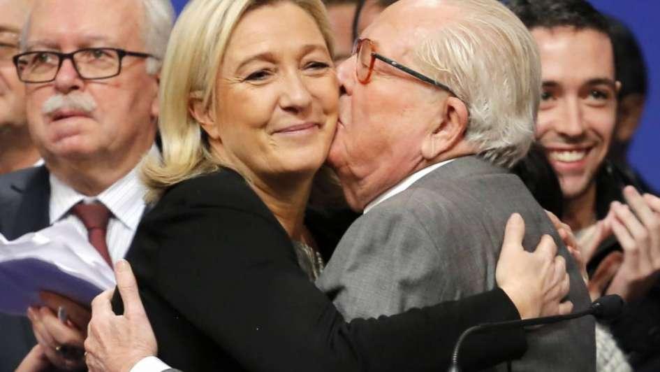 Francia: con discurso antiinmigrantes, Le Pen baja en sondeos