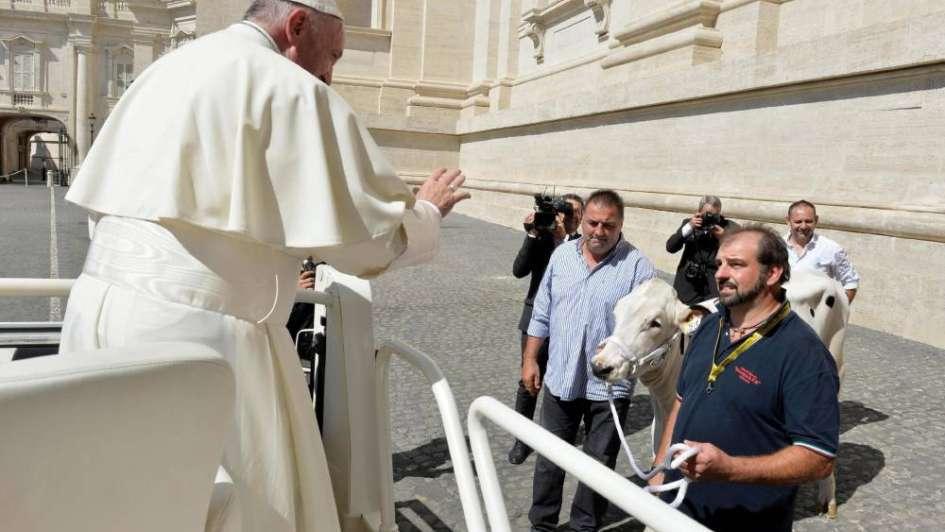 El curioso regalo que recibió el Papa de una familia italiana