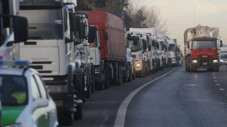 Camioneros exige una suba del 35% y anunció un paro nacional para el 4 de junio