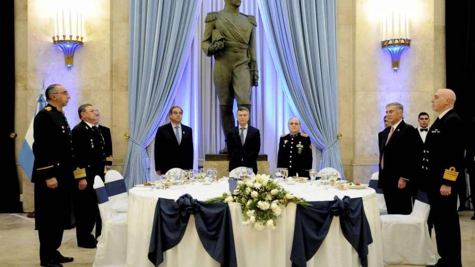 Asumieron los nuevos ministros de Educación y Defensa