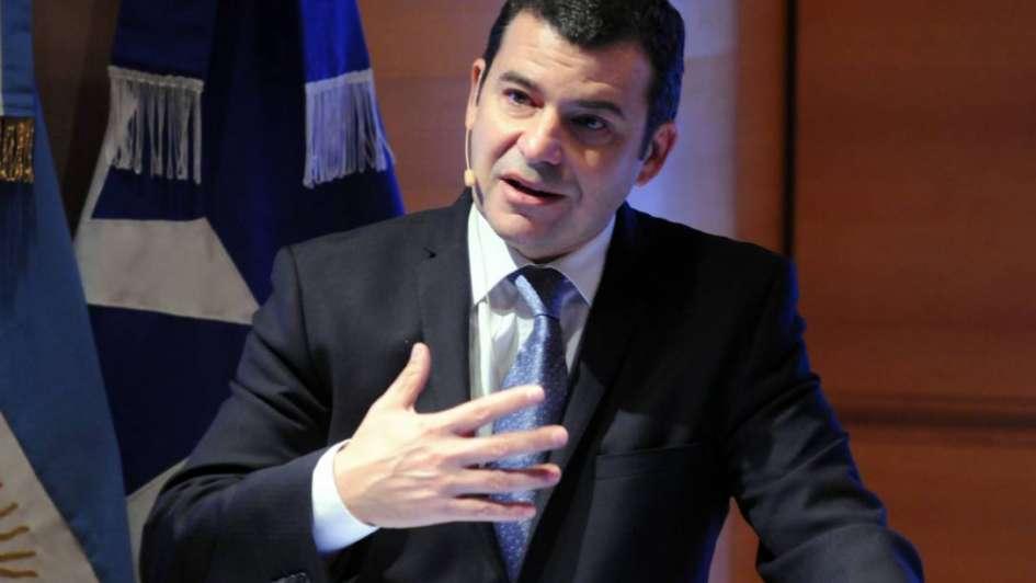 YPF rechazó la denuncia por presunto sobreprecio en importaciones de gas
