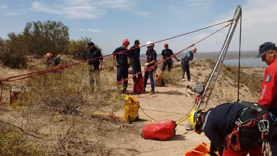 Murió una mujer al caer a un barranco del dique El Carrizal