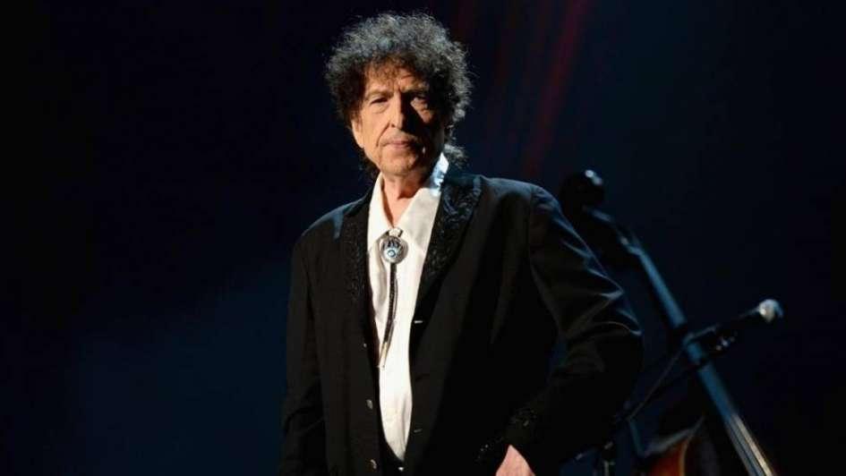 Bob Dylan brilla por su ausencia, pero saca álbum triple...