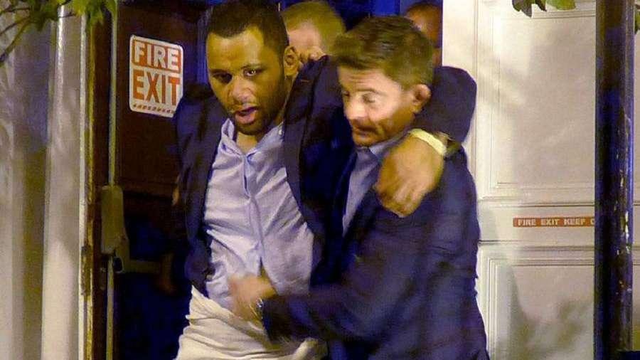 La prensa inglesa descubrió a un rugbier en 'dudoso estado' tras la fiesta por el título
